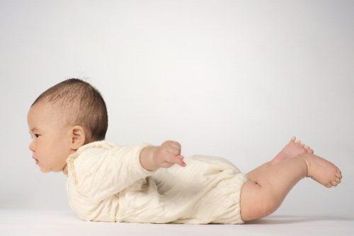 赤ちゃん うつ伏せ