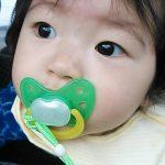 【赤ちゃんのおしゃぶり】悪影響などない4つの理由と正しいおしゃぶりの使い方