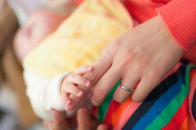 【産後2週間経つのに悪露】いったいいつまで続く?悪露の原因と対応方法