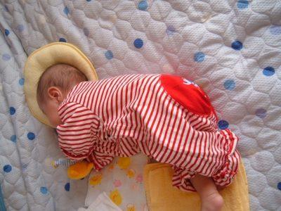 【赤ちゃんの原始反射】19種類もある「反応」と目安となる「消失時期」