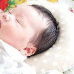 【赤ちゃんの枕いつから必要?】生後間もない頃いらない理由と適した枕の選び方